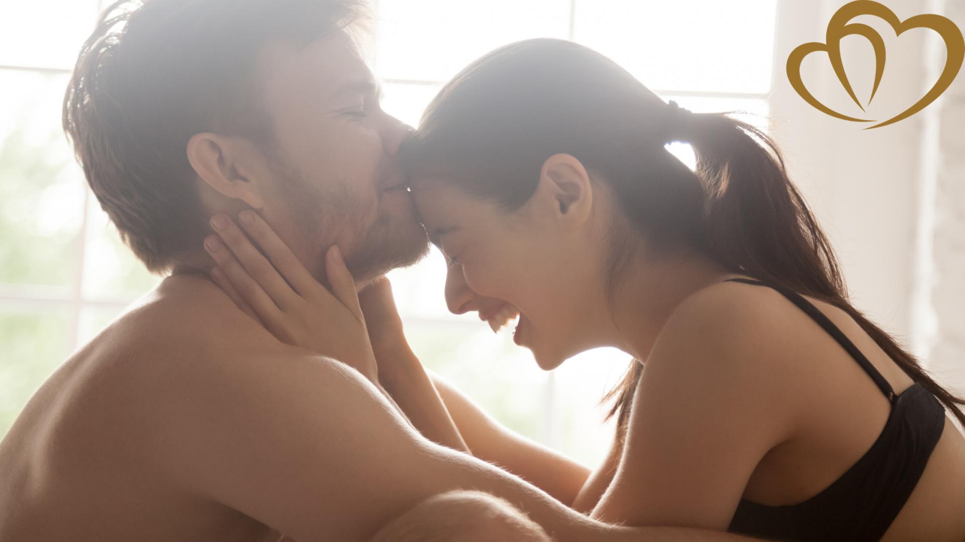 Naked Hot Kissing Romantic Kiss